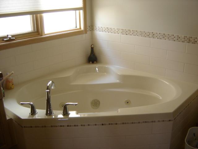 Buchanan way bath renovation modern bathroom for Bathroom decor edmonton