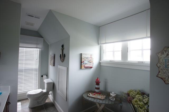 Buckeye Lake traditional-bathroom