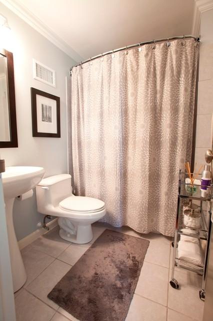 Buckhead Bachelor Pad traditional-bathroom