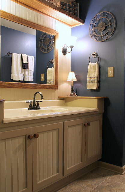 Buckingham Ct - Navy and Tan Bathroom - Bathroom ...