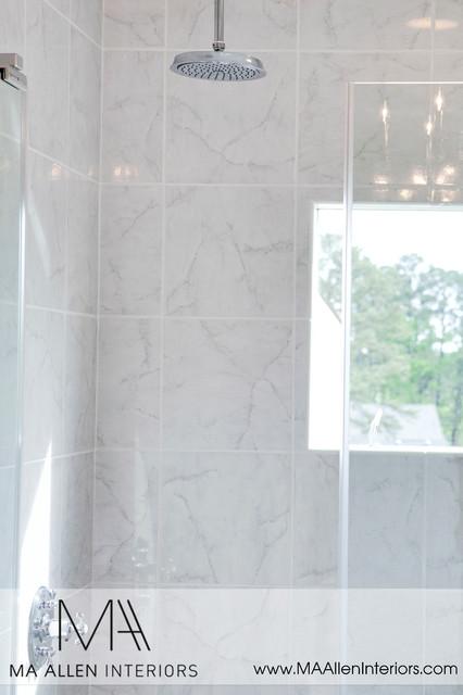 Builder spec house traditional-bathroom