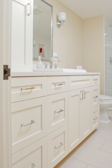 Built-Ins & Cabinetry traditional-bathroom