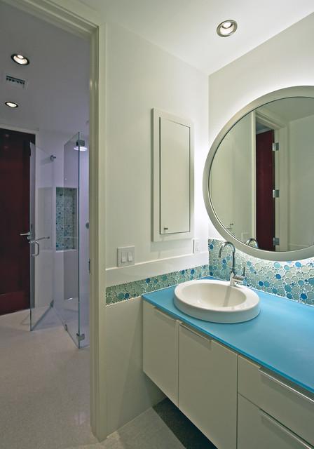 Balfoort Architecture, Inc. modern-bathroom