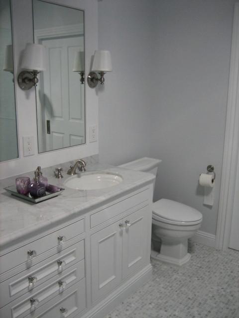 Bundy traditional-bathroom