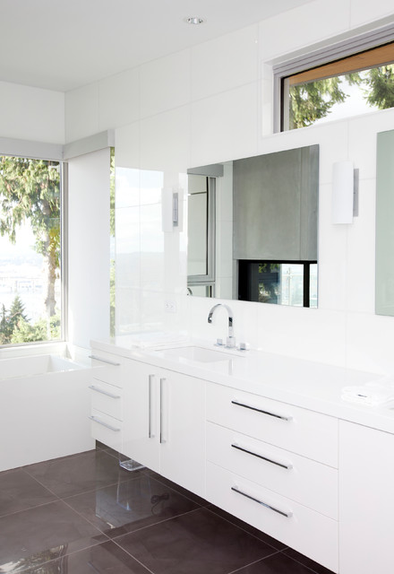 Burnaby Capitol Hill Residence contemporary-bathroom