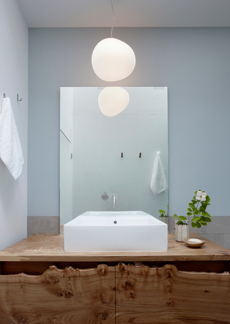 Buttrick Wong Architects contemporary-bathroom