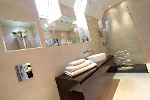 C.P. Hart Case Study: Amara Lodge modern-bathroom