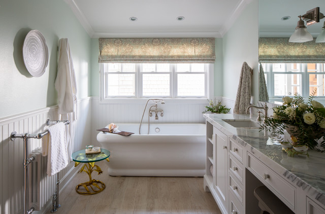 roman tub. Example of an ornate bathroom design in Los Angeles Roman Tub  Houzz