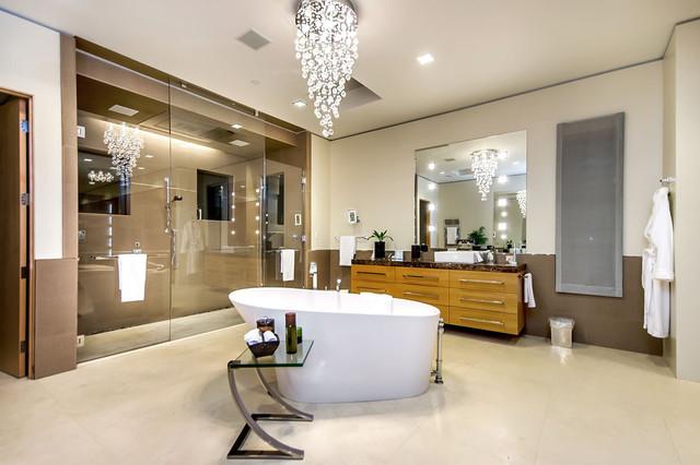 California Home modern bathroom