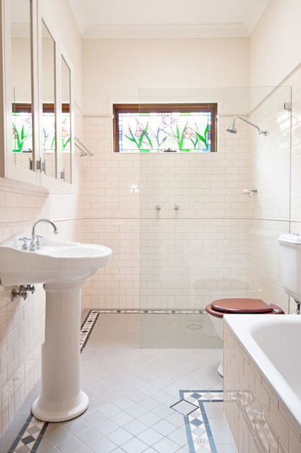 Californian bungalow renovation traditional bathroom for Bungalow bathroom designs