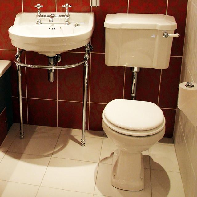 Cambridge Bathroom Suite bathroom