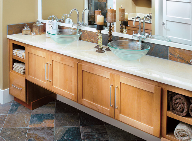 Canyon creek cornerstone shaker in alder with a cinnamon for Alder shaker kitchen cabinets