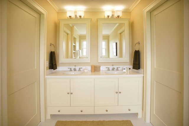 Image gallery jack and jill bathroom for Bathroom remodel for 4000