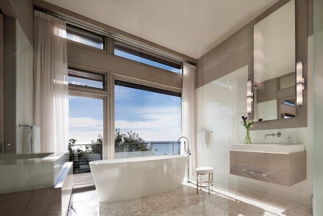 Cape Cod contemporary-bathroom