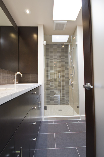 Capitol hill condo bathroom remodel modern bathroom for Small washroom renovation