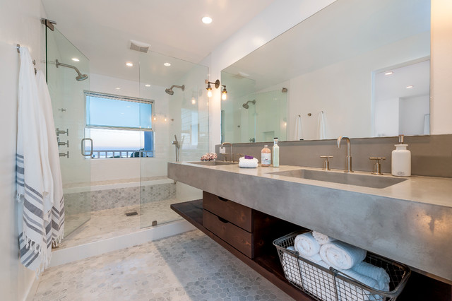 Modern Beach Bathroom Decor