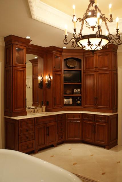 Carmel Residence, Designer Jenny Collins traditional-bathroom