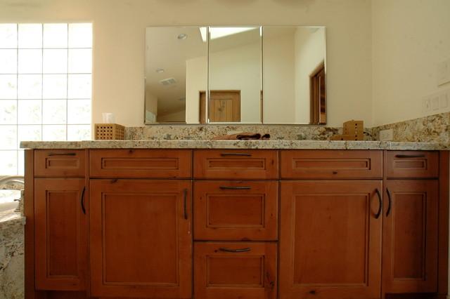 Carmel Valley Retreat traditional-bathroom