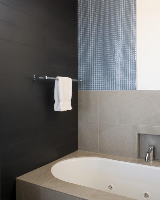 Carolina St modern-bathroom