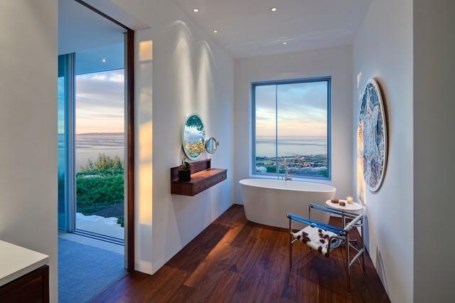 Carpinteria Foothills Residence modern-bathroom