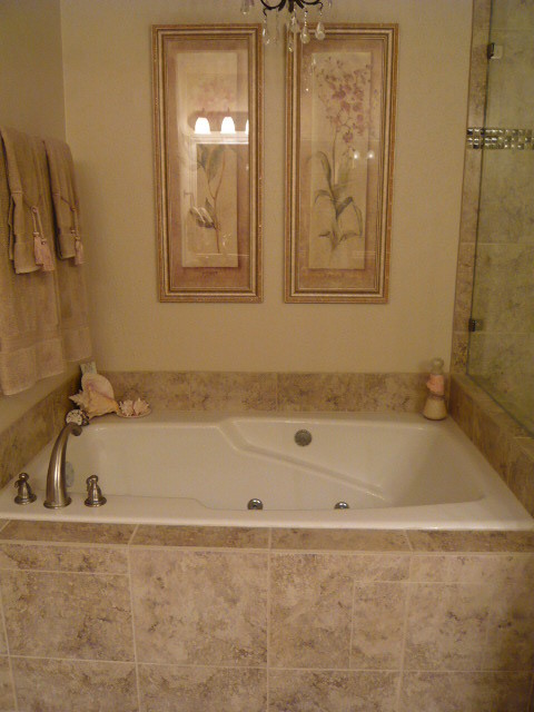 Cary traditional-bathroom