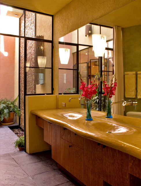 Casa Joya modern bathroom