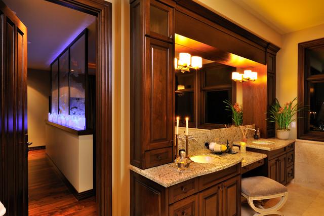 Minimalist bathroom photo in Vancouver