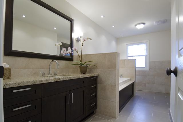 casual luxury modern-bathroom