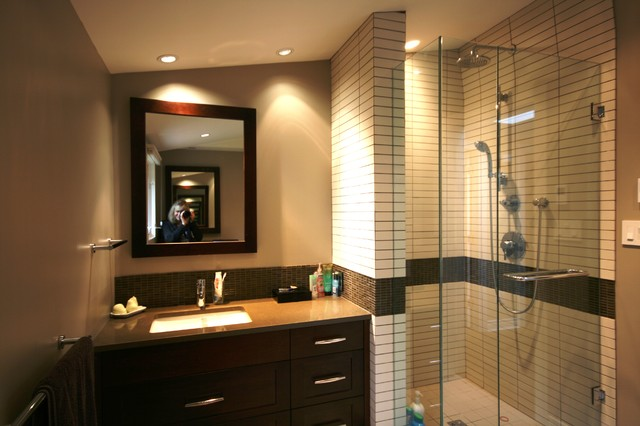 Caulfield Drive contemporary bathroom