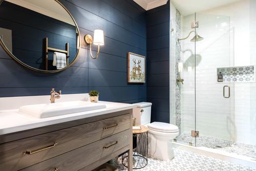 cuarto de baño decorado en estilo marinero