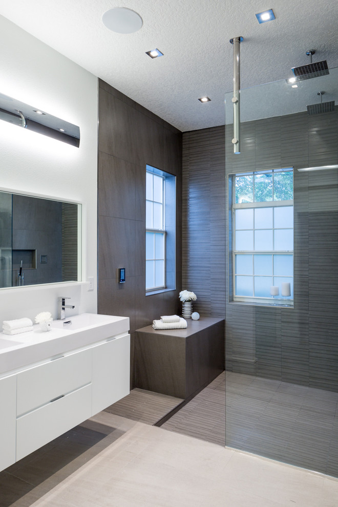Celebration Avenue - Modern - Bathroom - Tampa - by Nathan ...