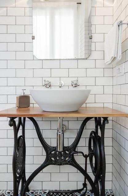 das tapfere schneiderlein antike n hmaschinentische als. Black Bedroom Furniture Sets. Home Design Ideas