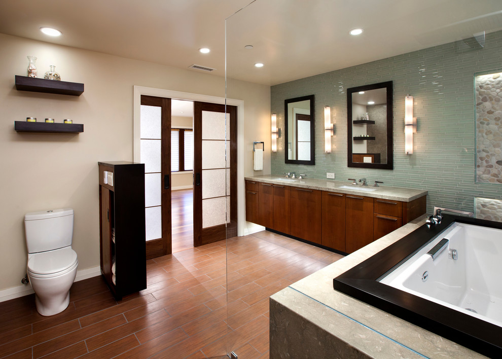 Inspiration for a contemporary bathroom remodel in San Francisco with granite countertops