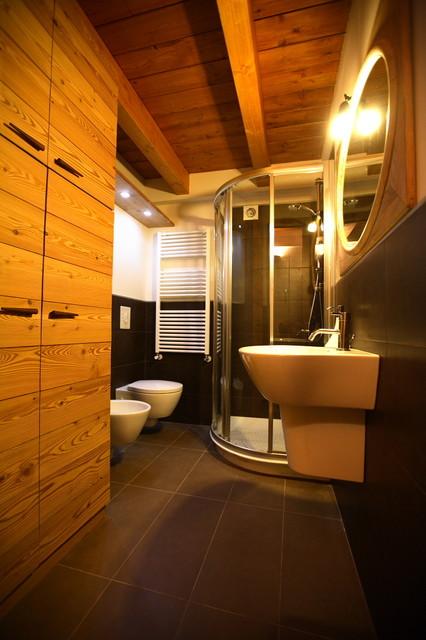 chalet di montagna in montagna stanza da bagno