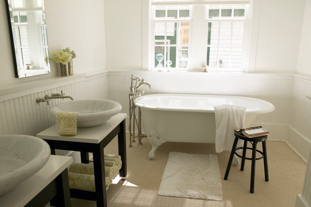 Charming Southern Bathroom with Clawfoot Tub Traditional