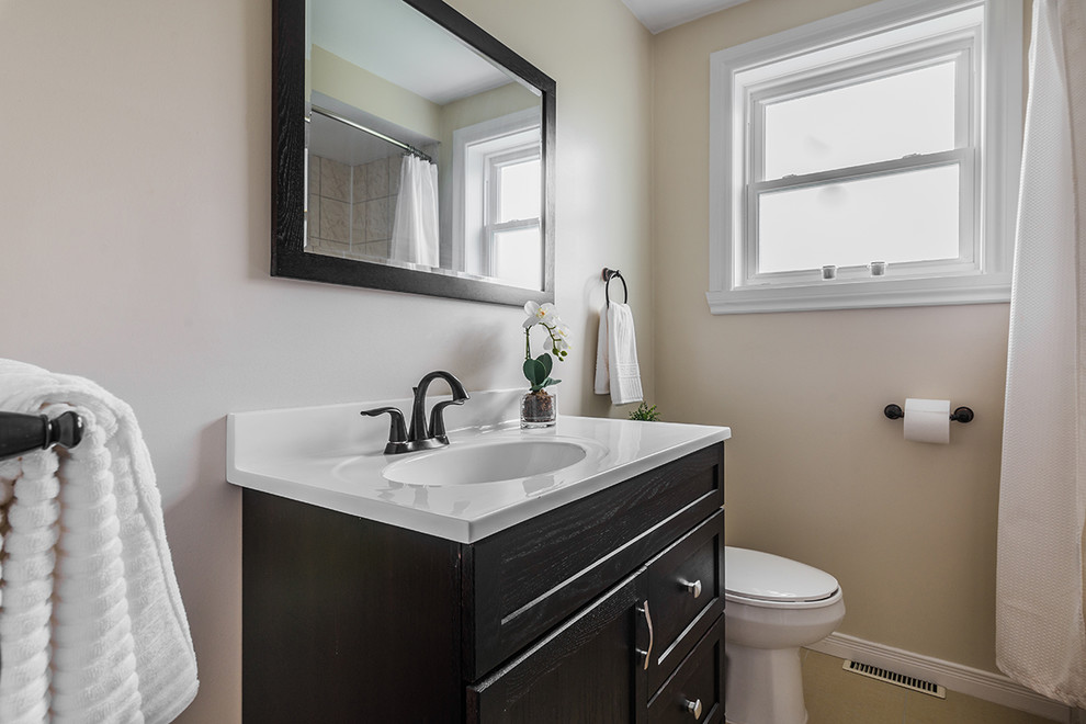Chartwell Residence - Contemporary - Bathroom - Montreal ...