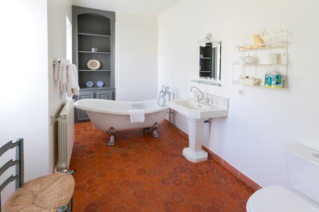 Chateau d'Esparron, Provence mediterranean-bathroom