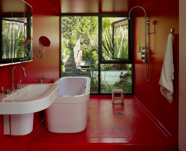 Bathroom Red bathed in color: when to use red in the bath
