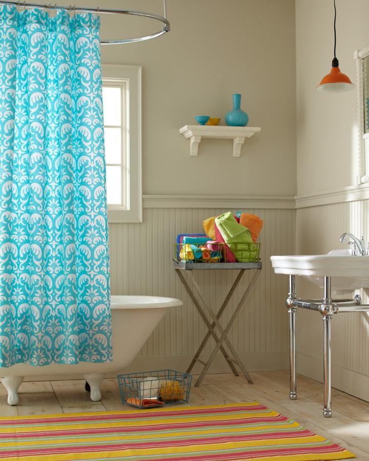 Bathroom - eclectic bathroom idea in Burlington with white walls