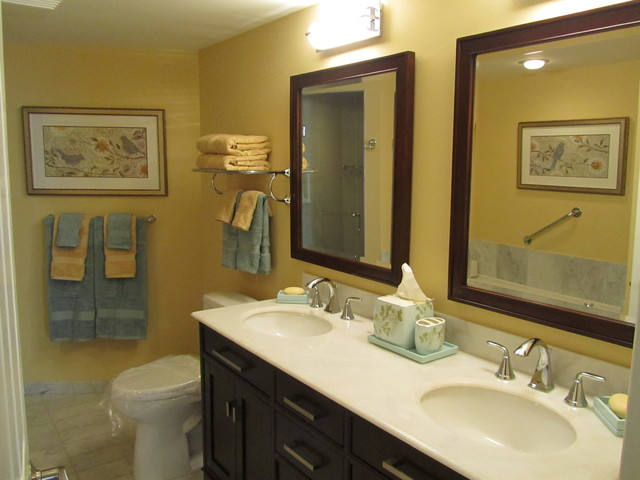 Cheery ensuite bathroom contemporary bathroom