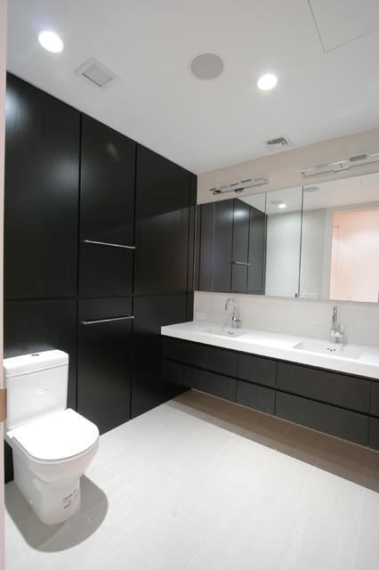 Chelsea Loft contemporary-bathroom