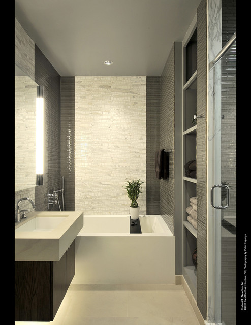 Chelsea24 Manhattan Loft Modern Bathroom New York