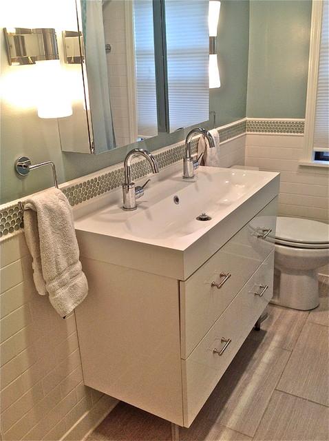 Chicago bath rehab contemporary bathroom chicago for Bathroom rehab