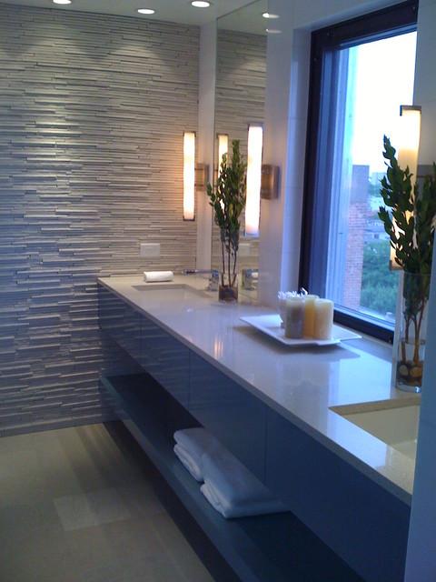 Chicago Rennovation modern-bathroom