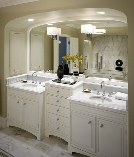 Chicago residence 2 transitional bathroom chicago for Bathroom remodeling stores chicago