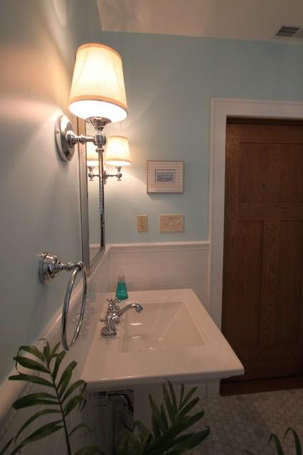 Children's Bathroom traditional-bathroom