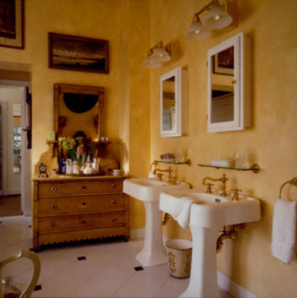 Christina Haire Design & Antiques traditional-bathroom