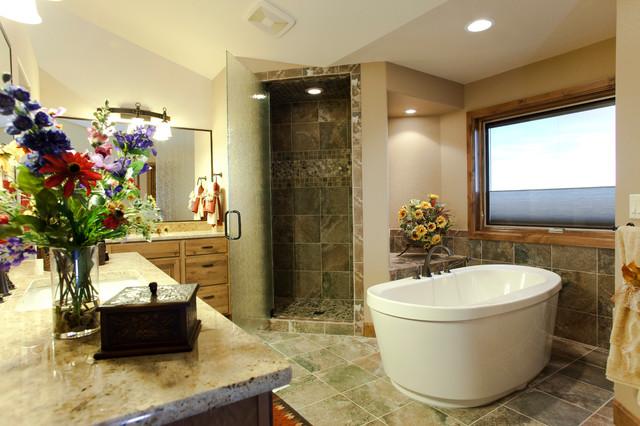 Clancy Building & Design traditional-bathroom