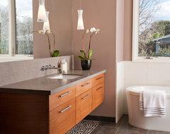 Clarum Custom Homes contemporary-bathroom