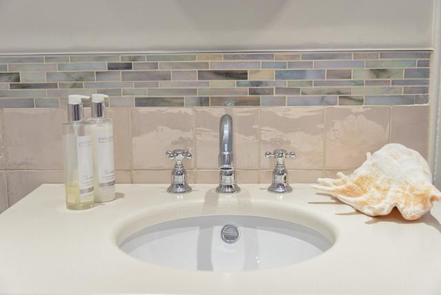 Classic edinburgh apartment farmhouse bathroom for Bathroom ideas edinburgh